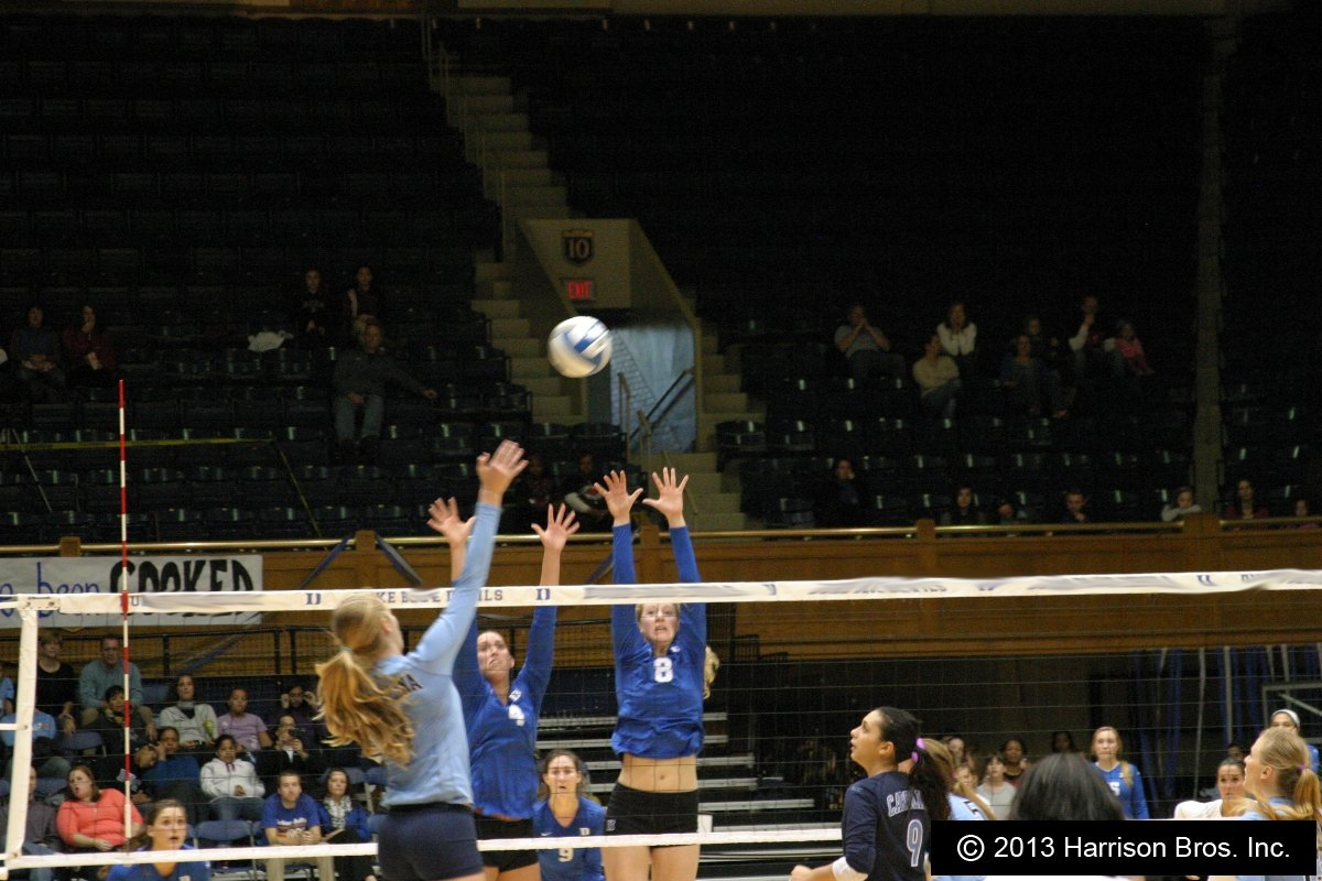 volleyball players-volleyballtape.com